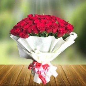 100 Red Rose Bunch