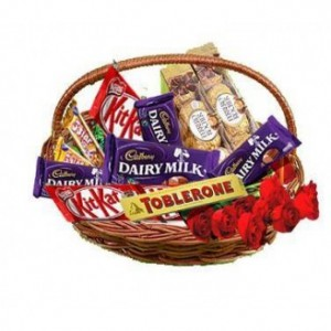 Gift Chocolates Basket With Roses