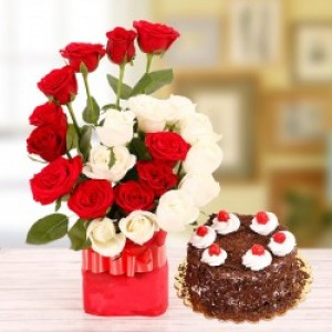 Flower Vase with Cake